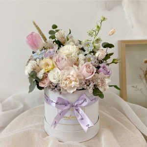 Pastel Dream Floral Bloom Box - Regular Size