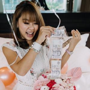 Money Pulling Bloom Box